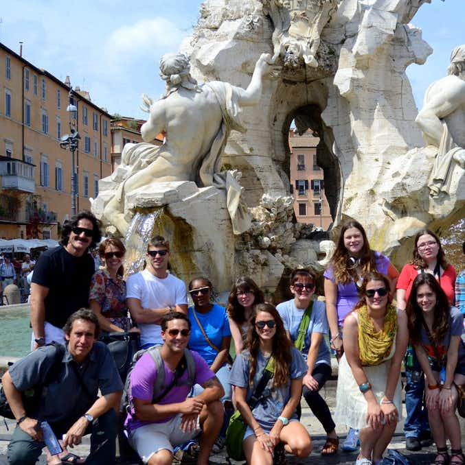 Students, faculty and interns touring Rome